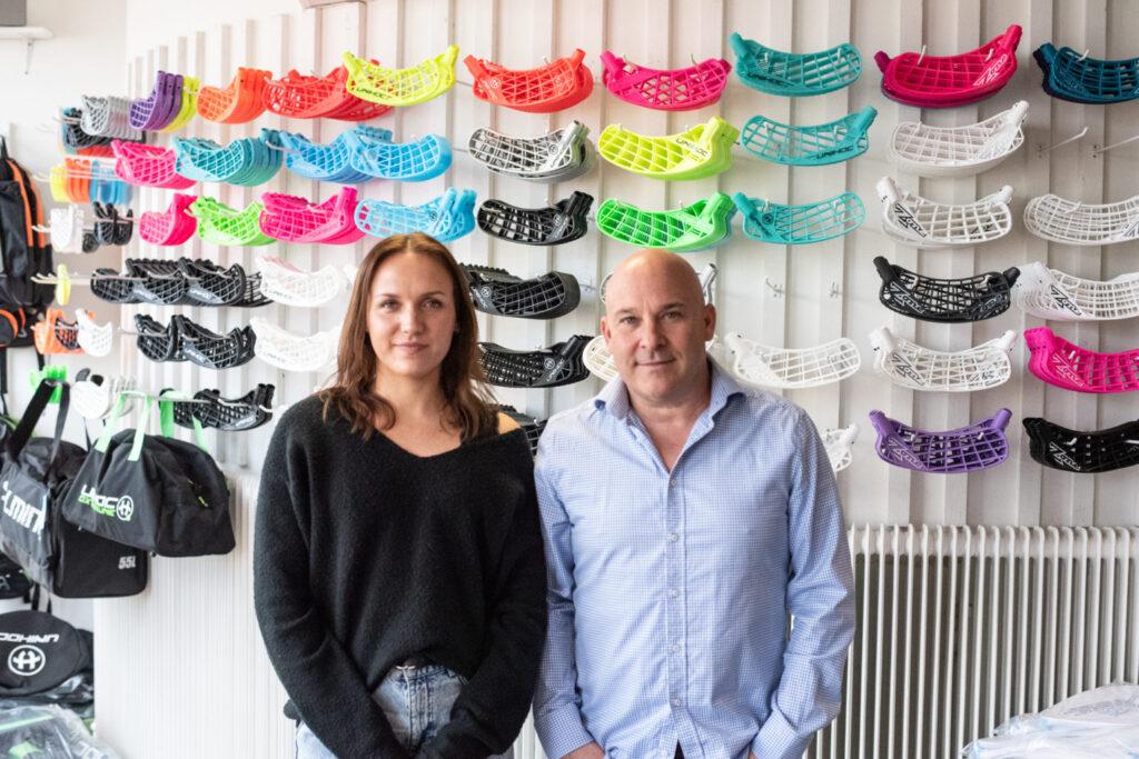 Elin Björke, butikschef i Umeå, och Christian Winkler, vd och ägare Innebandykungen som öppnar i Utopia