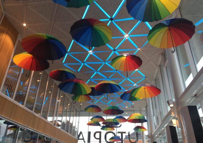 Regnbågsparaplyer Utopia för Umepride